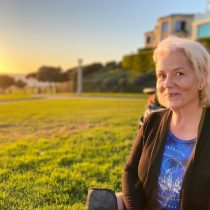 """Lanzamiento de libro """"La Cofradía de la Luz"""" de Mary Rogers G."""