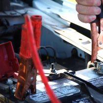 Los errores más comunes al momento de revivir la batería del auto