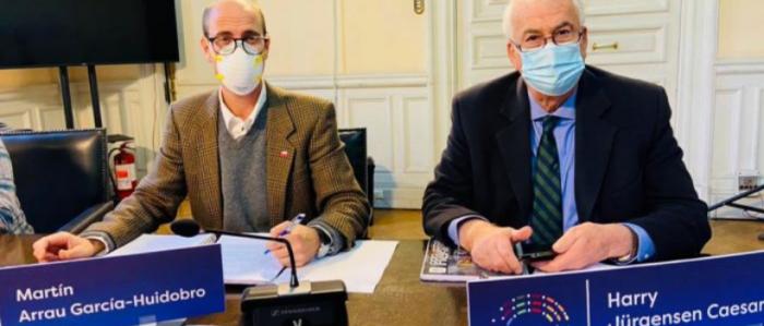 Dos constituyentes de Vamos por Chile tienen derechos de agua a su nombre que no fueron declarados