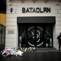 """Madre de chileno asesinado en el Bataclan pide justicia ante el tribunal: """"No hay justificación alguna para asesinar a personas inocentes"""""""