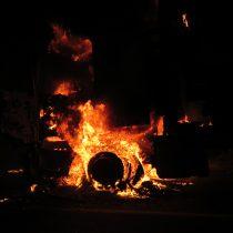 Desconocidos realizan ataque incendiario en fundo de Traiguén y queman una bodega y dos tractores